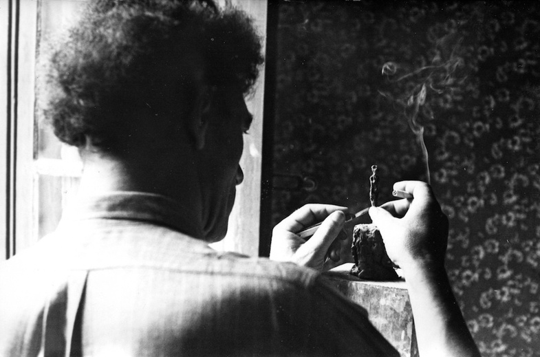 <div class=&#34;page&#34; title=&#34;Page 2&#34;><div class=&#34;layoutArea&#34;><div class=&#34;column&#34;><p><span><em>Giacometti in his room at H&#244;tel de Rive, Geneva, October 1944.</em><br /> </span><span>Photo: Eli Lotar, Courtesy of Fondation Giacometti </span></p></div></div></div>